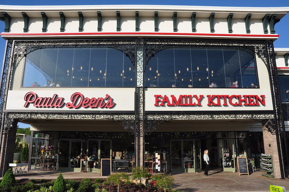 paula deen's family kitchen in pigeon forge